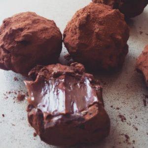 פרלינים שוקולד עגולים